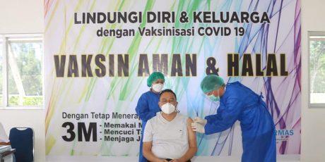 Wali Kota Tomohon Terima Vaksinasi Covid-19 Tahap Dua