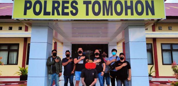 Aniaya Teman Sendiri, Pedagang Buah Ini Nekat Siarkan Langsung di Medsos