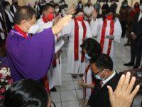 Wali Kota Tomohon Diutus di Gereja GMIM Pniel Kakaskasen