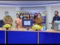 DWP Kota Tomohon Serahkan Bantuan ke Pemkot