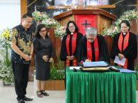 Serah Terima Ketua BPMJ GMIM Bukit Zaitun Kumelembuai Dihadiri Wali Kota Tomohon