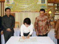 Pembentukan Peraturan Daerah, DPRD Tomohon dan Kemenkum-HAM Teken MoU