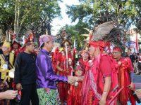 Tampil di Karnaval Kemerdekaan Pesona Parahyangan 2017, Tarian Kabasaran Tomohon Jadi Daya Tarik