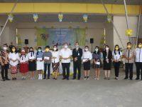 Pemkot Tomohon Serahkan Beasiswa pada Perwakilan SD SMP