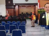 Upaya Pencegahan Penyebaran Covid-19, Kantor DPRD Kota Tomohon Disemprot Disenfektan